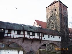 Nuernberg ペグニッツ川の風景と聖ローレンツ教会_e0195766_6142847.jpg