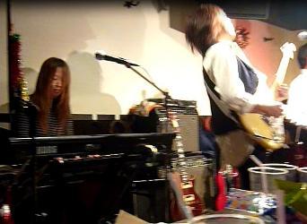 2011年、カラフル年末ライブのライブレポ:その1。_e0188087_21402014.jpg