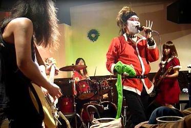 2011年、カラフル年末ライブのライブレポ:その1。_e0188087_222374.jpg