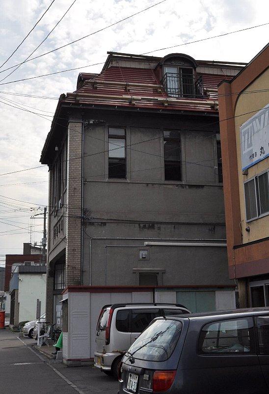 小樽の旧岡川薬局_c0112559_1311227.jpg