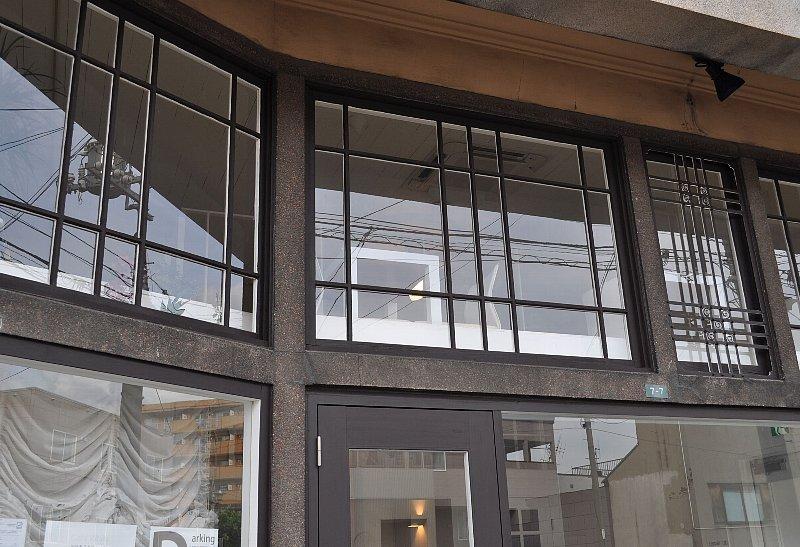 小樽の旧岡川薬局_c0112559_1314957.jpg
