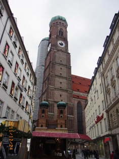 ミュンヘンマリエン広場のクリスマスマーケット_e0195766_4475830.jpg