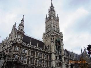 ミュンヘンマリエン広場のクリスマスマーケット_e0195766_4481227.jpg