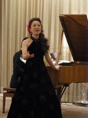 バンブー表参道で過ごす「ソプラノ歌手鈴木慶江さんのクリスマスディナーコンサート」_a0138976_18261693.jpg