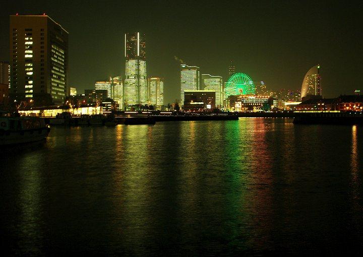海面に見る光の三原色_c0067690_7411037.jpg