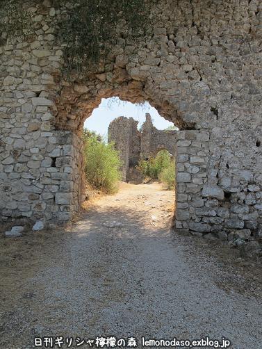 古代ヴヘティオンとビザンティン時代のロギの城 _c0010496_10293611.jpg