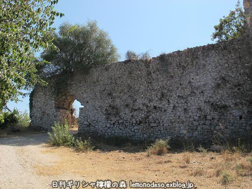 古代ヴヘティオンとビザンティン時代のロギの城 _c0010496_102977.jpg