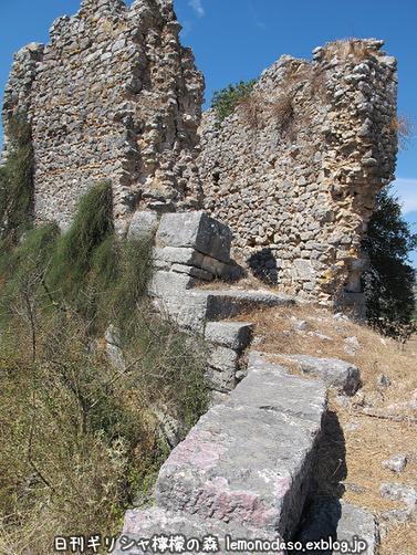 古代ヴヘティオンとビザンティン時代のロギの城 _c0010496_10315247.jpg