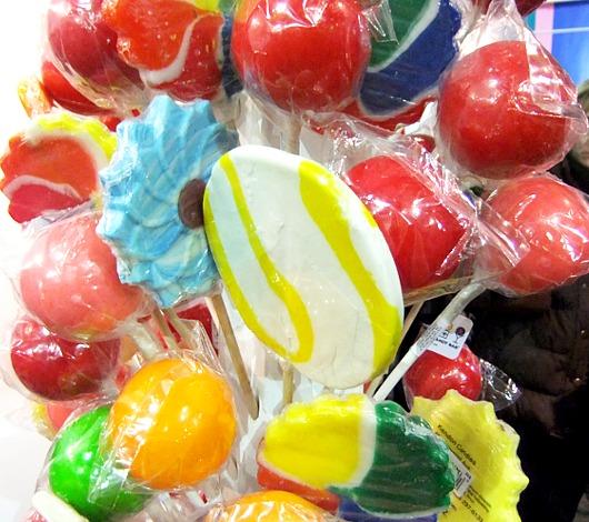 年明け7日までオープン中のNYのお菓子の国 Dylan\'s Candy Bar_b0007805_23243325.jpg