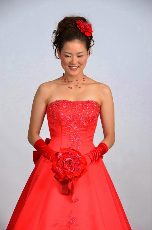 新郎新婦様からのメール 人生で初めて、花にときめいた一日  赤いドレスに_a0042928_2317388.jpg