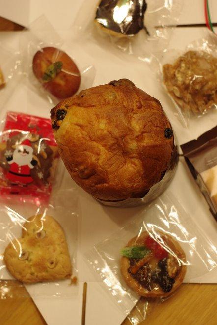 クリスマスのお楽しみ_e0171336_1475165.jpg