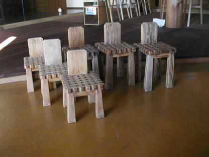 可愛らしい 杉の椅子 _c0050900_16231335.jpg