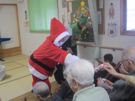 クリスマスも終わり・・・もうすぐ年末_e0142373_18494851.jpg