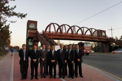 韓国に飫肥杉製の歩道橋?_f0138874_15461489.jpg