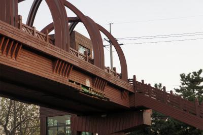 韓国に飫肥杉製の歩道橋?_f0138874_16101537.jpg