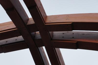 韓国に飫肥杉製の歩道橋?_f0138874_1655436.jpg