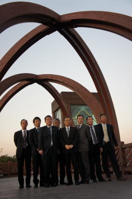 韓国に飫肥杉製の歩道橋?_f0138874_1662661.jpg