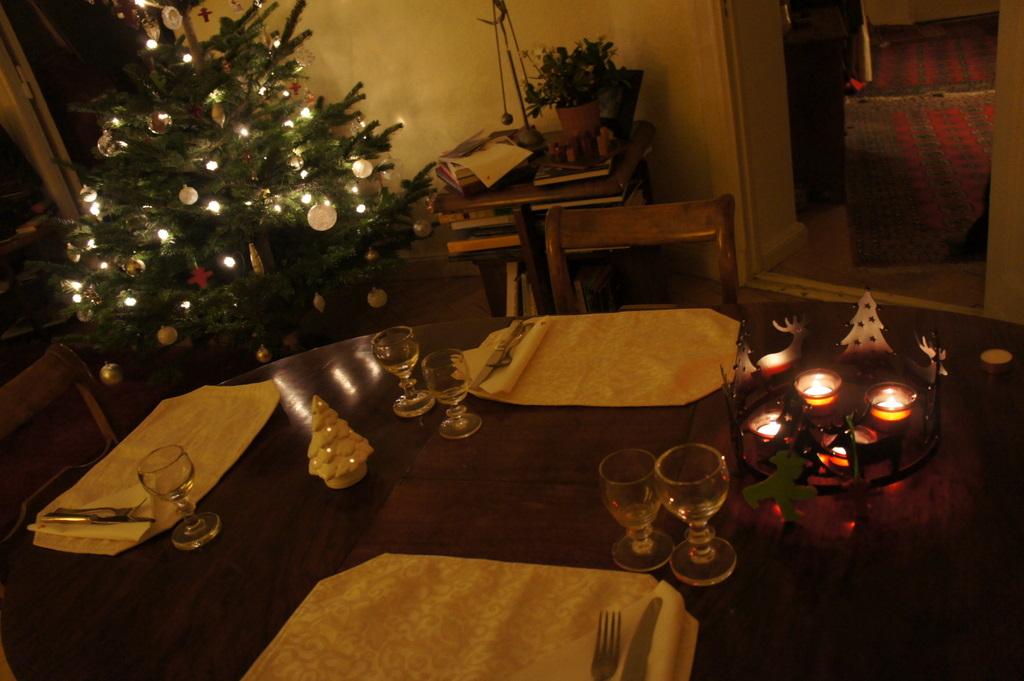 クリスマス晩餐、26日は拙宅で。_c0180686_1943557.jpg