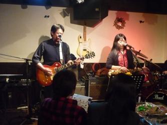 2011年、カラフル年末ライブのライブレポ:その1。_e0188087_012198.jpg