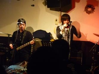 2011年、カラフル年末ライブのライブレポ:その1。_e0188087_0433075.jpg
