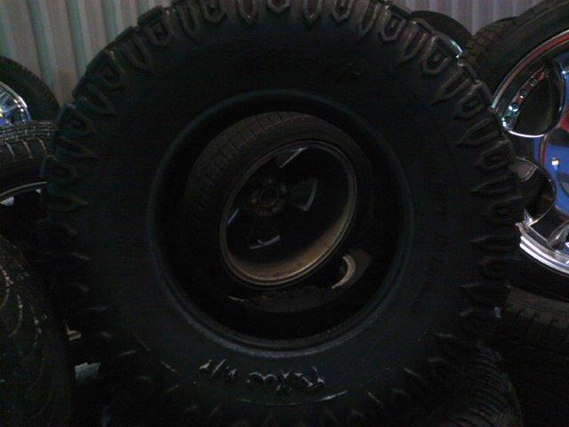 マッドタイヤ33×12.50R16 TRXUS_b0127002_16322386.jpg