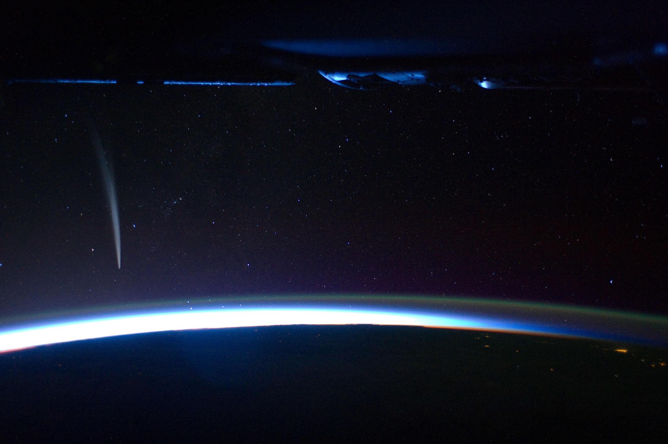 太陽に最接近したラブジョイ彗星C/2011 W3_d0063814_1192728.jpg
