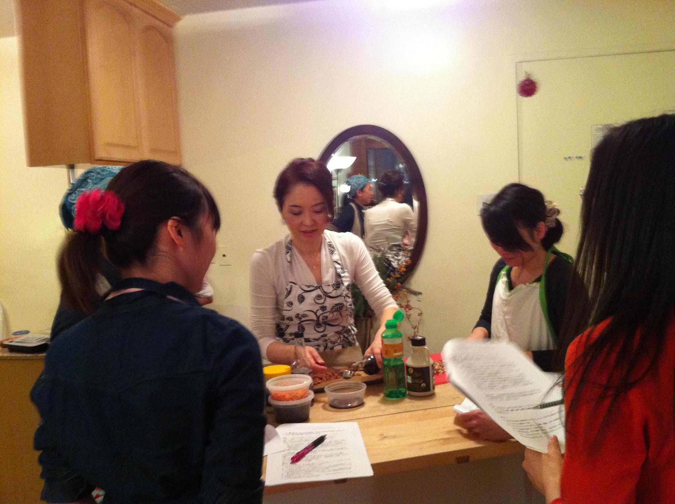 Osechi in NY 2012 クラス始まりました。_f0095325_1673561.jpg