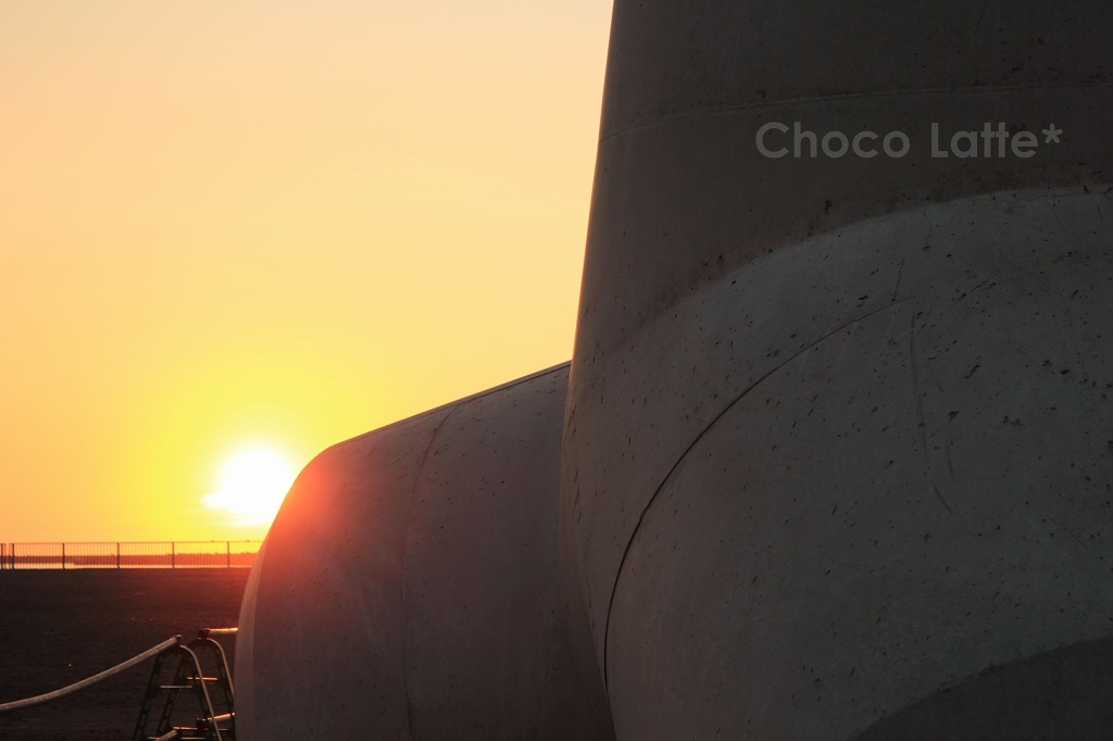 空と夕陽とテトラポット ♪_b0206470_2129542.jpg