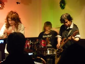 2011年、カラフル年末ライブのライブレポ。これで終了!_e0188087_1112829.jpg