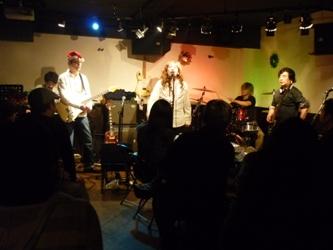2011年、カラフル年末ライブのライブレポ。これで終了!_e0188087_2171183.jpg