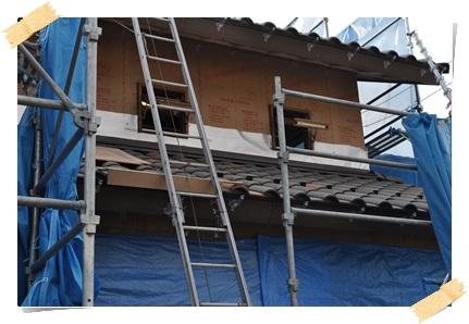 着工43日目、ウォルナットに塗装された木製サッシ_c0176271_23305517.jpg