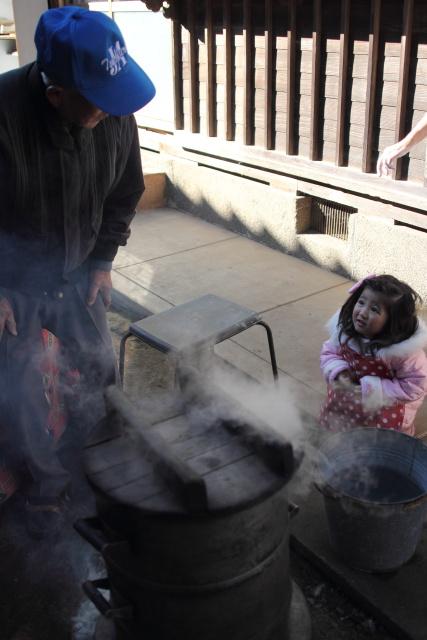 茨城県かすみがうら市  日本のイサーンで餅つき_b0061717_12205246.jpg