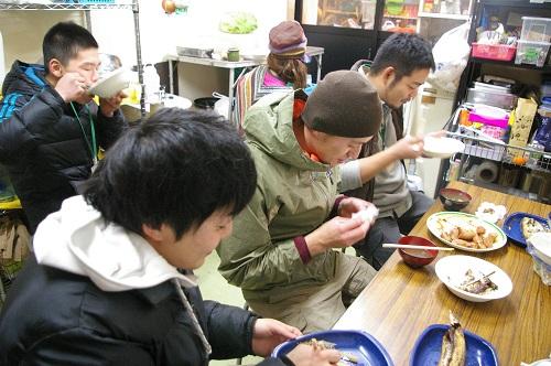 同じ釜の飯を食う_b0174425_1549977.jpg