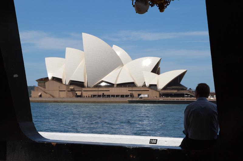 オペラハウスをきちんと見たことがない_f0137354_15503739.jpg