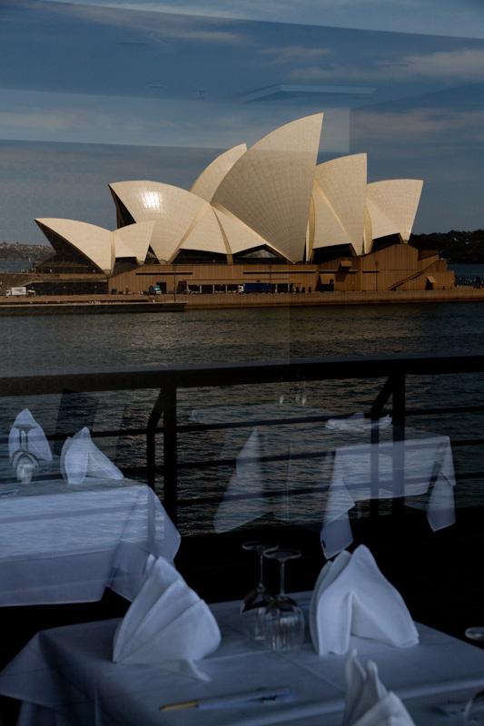 オペラハウスをきちんと見たことがない_f0137354_15552974.jpg