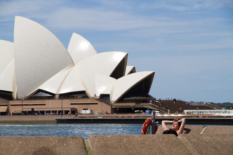 オペラハウスをきちんと見たことがない_f0137354_1555457.jpg