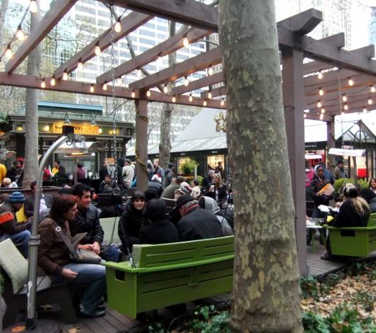 NYのブライアント・パークのホリデー・マーケットは新年になってもまだオープン中?!_b0007805_13571230.jpg