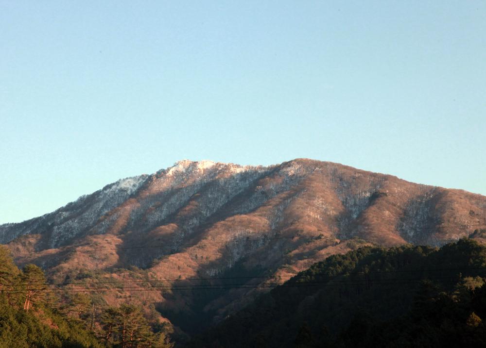 東吉野村 平野から見た高見山 : 魅せられて大和路