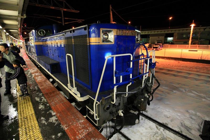 函館駅で機関車の交替_a0160581_19391054.jpg
