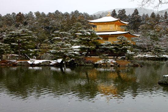雪の金閣寺_e0048413_21432447.jpg