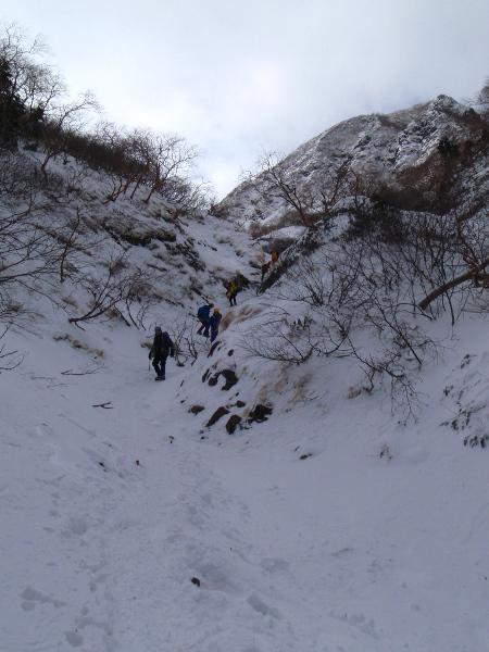 お正月登山 南八ヶ岳縦走-阿弥陀岳へ_c0177814_23185355.jpg