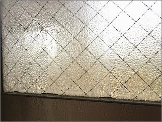 【 冬の朝は窓の結露拭きが日課 】_c0199166_23245516.jpg