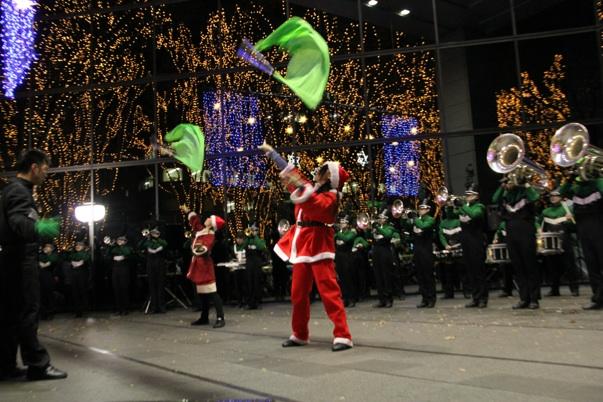 メリークリスマス!サンタパレード!!_e0145173_10504310.jpg