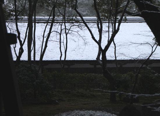 上賀茂神社 雪景色_e0048413_14575064.jpg