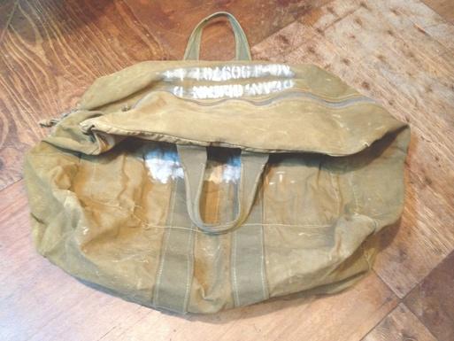 1/7(土)入荷!vintage MILITARY KIT bag_c0144020_16441640.jpg