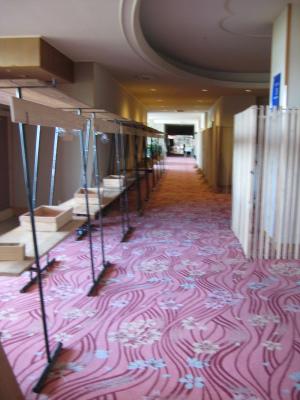 日南市内のホテルを飫肥杉化_f0138874_1652534.jpg
