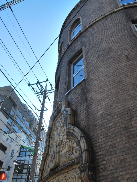 東京深川の村林ビル(建築家・関根要太郎作品研究)_f0142606_1820340.jpg