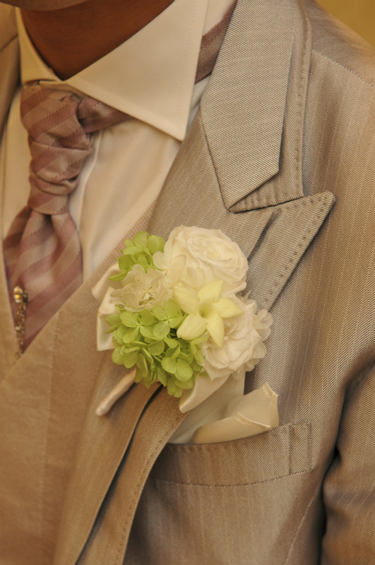 新郎新婦様からのメール お花直し 緑の中のガーネット1 ホテルメトロポリタンエドモント様へ_a0042928_055233.jpg