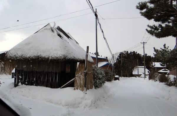 茅葺き民家、冬景色♪_a0136293_15293228.jpg