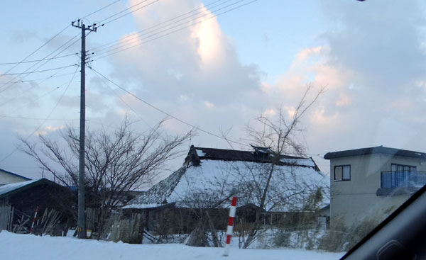 茅葺き民家、冬景色♪_a0136293_1542543.jpg